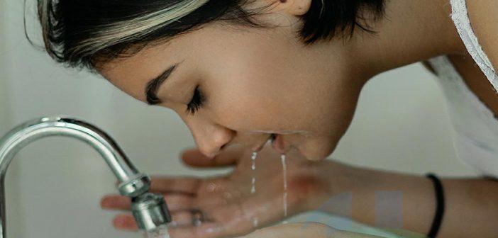 Sữa rửa mặt cho da dầu sẽ làm sạch tận chân lông kể cả bụi bẩn & bã nhờn