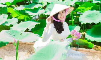 """The """"Ao Dai"""" of Vietnamese ladies is important symbols in Vietnamese culture"""