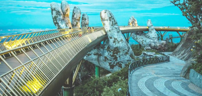 The Golden Bridge is located on top of Ba Na Hills, so cable car is the only way to reach it.