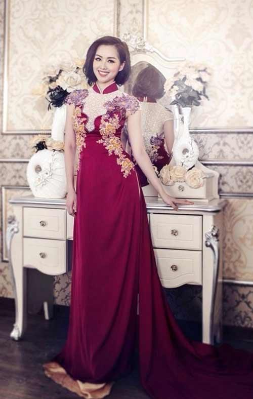Áo dài truyền thống gắn bó với người Việt như một biểu tượng cho niềm tự hào dân tộc