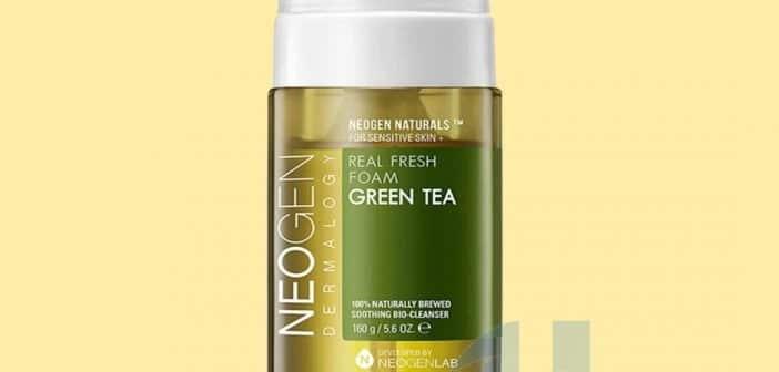 Real Fresh Foam Cleanser GreenTea Neogen là loại sữa rửa mặt phù hợp với làn da nhạy cảm