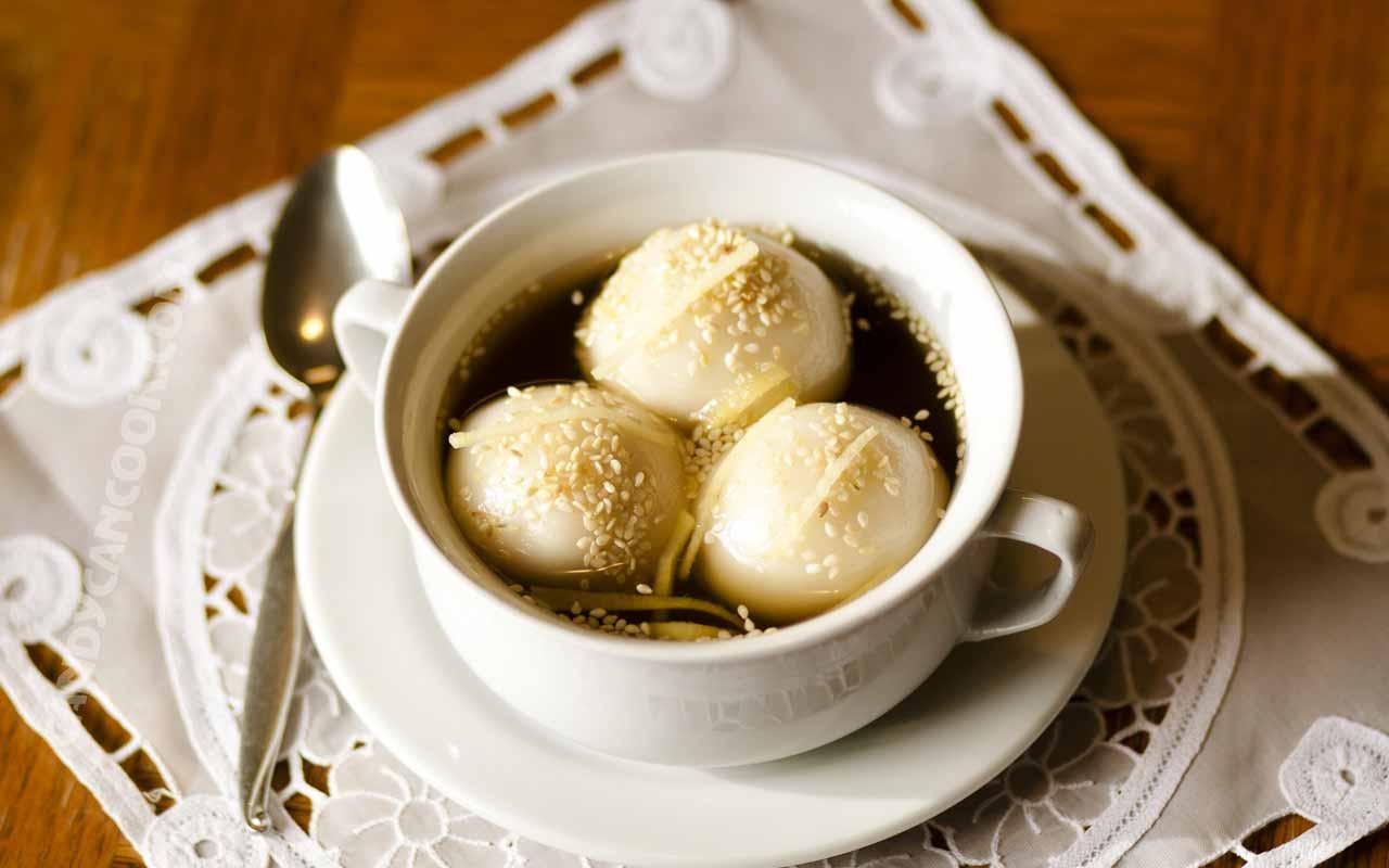Chè Trôi Nước – Sweet Glutinous Rice Dumplings