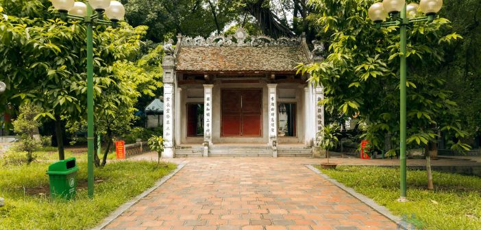 Voi Phuc Temple - one of 4 most important temples in Hanoi