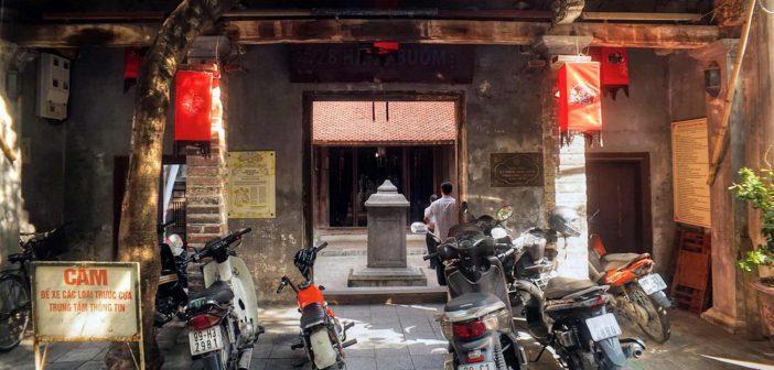 Quan De temple - 26 Hang Buom Street