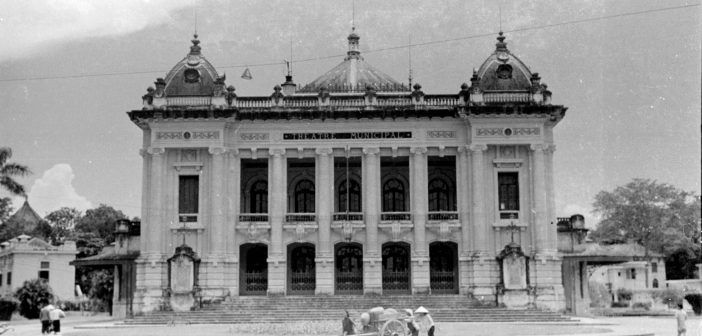 Bring French architecture, the Hanoi Opera House is such as Opera de Paris