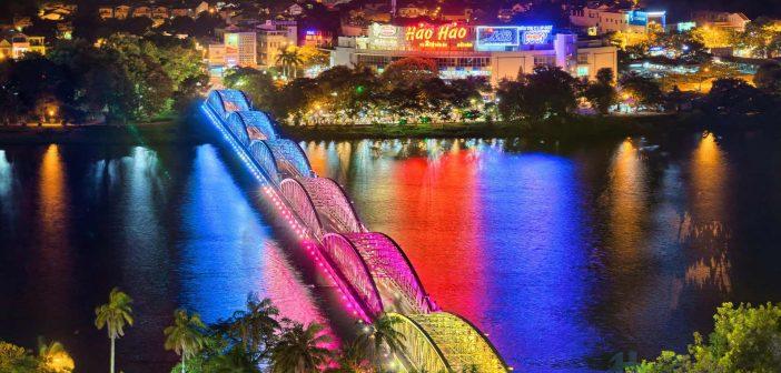 Truong Tien Bridge, Hue at Night