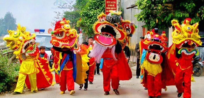 Mid-Autumn Festival in 15th of August lunar calendar
